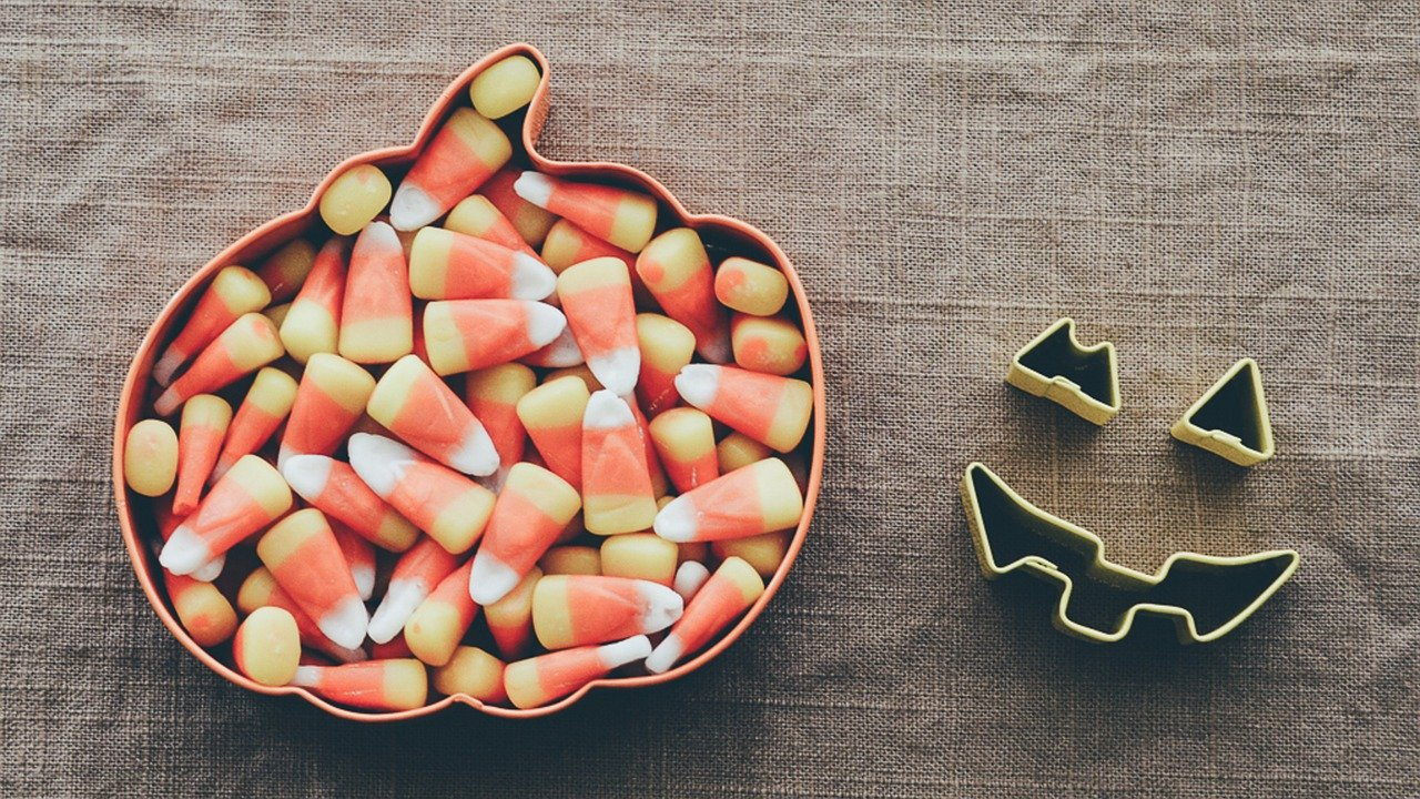 The Scary Effects Candy Has On Children's Teeth